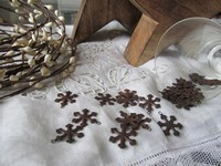 SJ - Primitive Rusty Tin Snowflake
