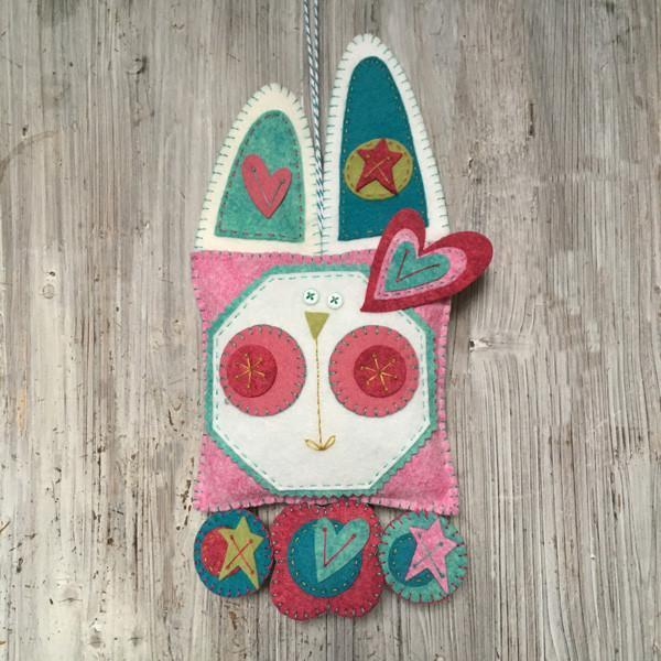 The Cinammon Patch - Kit happy bunny penny rug