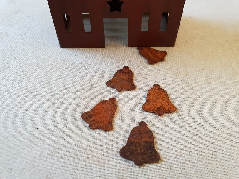 FDC - Primitive Rusty Tin bell