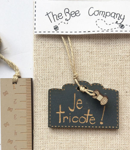 The Bee Company - Etiquette je tricote! TRIbleu3
